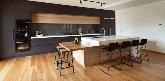 A konyha új burkolata – a laminált padló