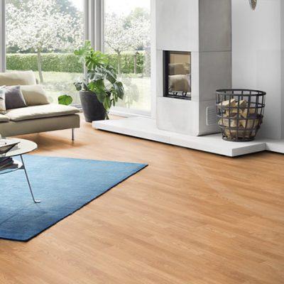 A Krono Original Kronofix Classic 1665 Royal Oak laminált padló könnyen karbantartható és tisztítható, éppen ezért tökéletes választás.Ráadásul egy egyszerűen telepíthető termék klikkes rendszerrel.