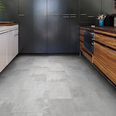 A Rocko Vinyl padló R062 Konstrukta egy kőhatású padlóburkolat. Amely valósághűen utánozza a nyers beton felületét, de meleg érzetet ad.