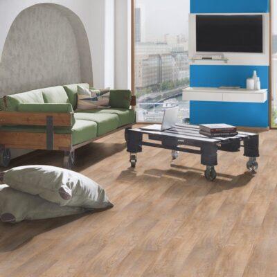 A Krono Original Sublime Vario 5341 Roseberg Oak laminált padlóegy egyszerűen telepíthető termék klikkes rendszerrel (1 clic 2 go). Padlófűtésre is letehető.