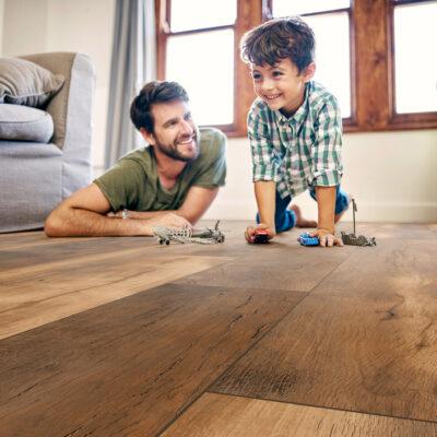 Krono Original Vintage Classic K412 Doubloon Oak laminált padló gyerekbarát felület.