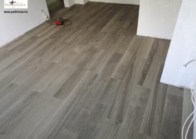 Laminált padló lerakásának folyamata