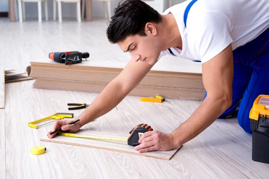 Miért válassza a Padlófutárt lakásfelújítási támogatás igénybevételekor?