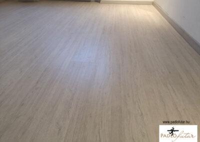 Elegáns fahatású laminált padló a természet szerelmeseinek