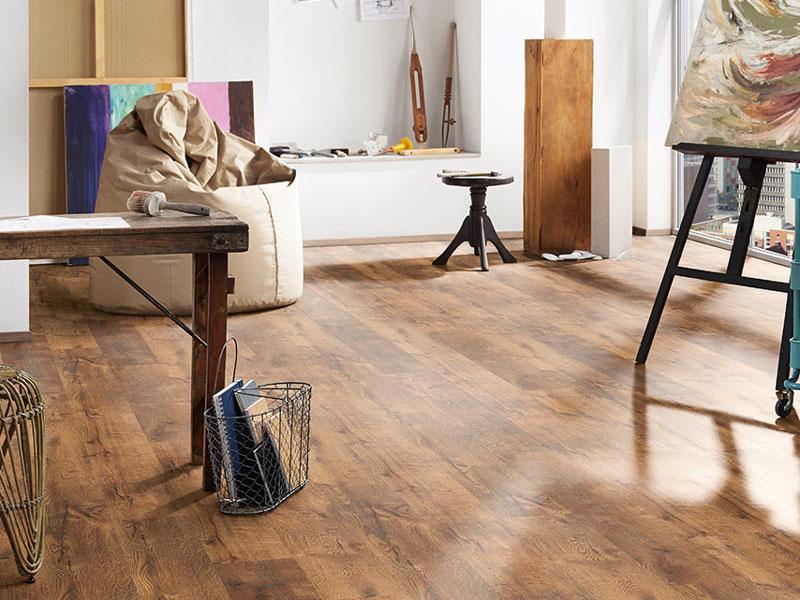 Igazán kellemes látvány a laminált padló tisztítása után.